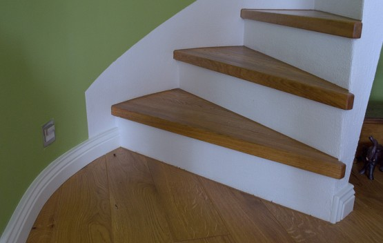 Runde Treppe verkleidet